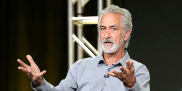 How well you know about David Strathairn and see how much you can score
