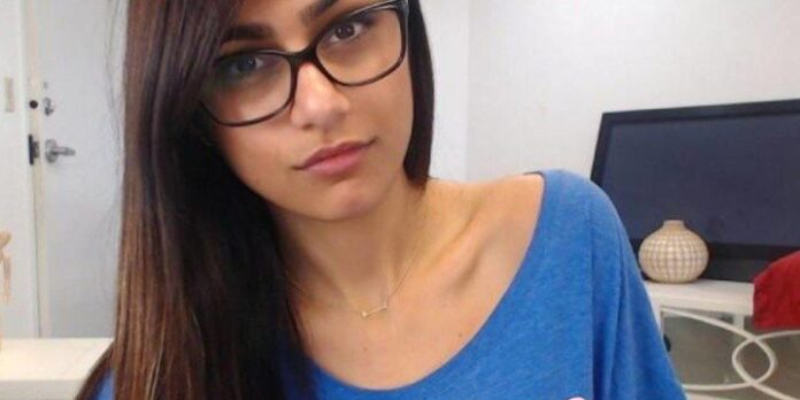 Take this quiz and see how well you know about Mia Khalifa?